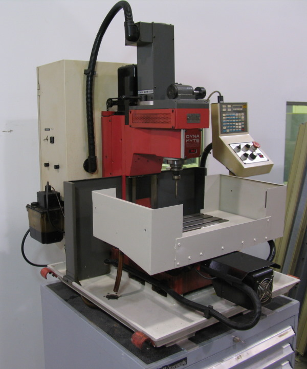 dyna myte 2800 tabletop cnc mill with no. 30 spindle
