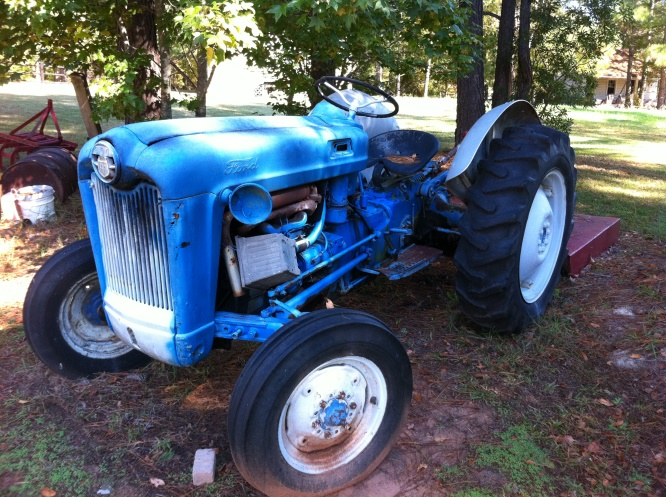 Ford 600 Tractor | For Sale | Online Auction - YouTube | 497x666