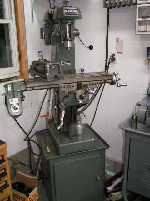 Clausing 8520 mill - Orig. motor drive and vise - Maine