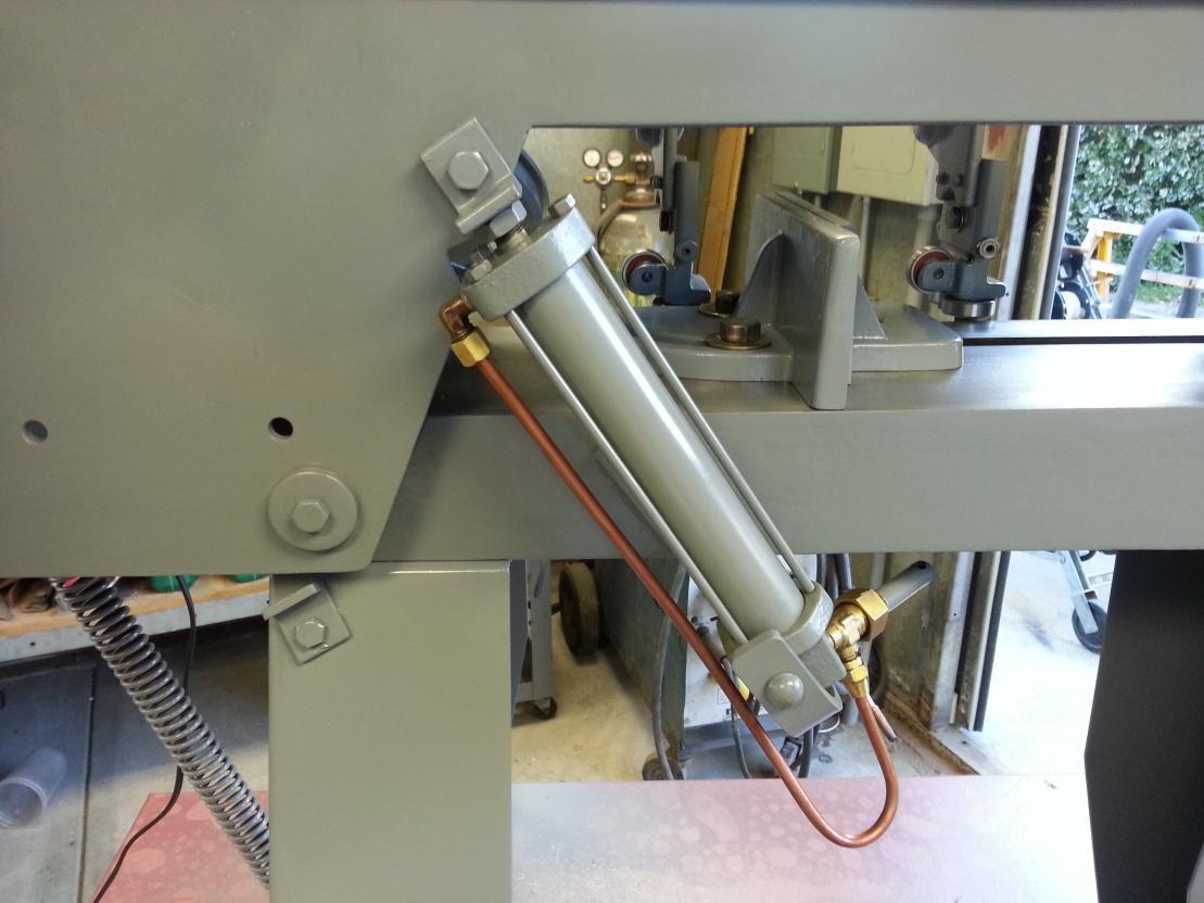 f s johnson model b rh practicalmachinist com Bechtop Bandsaw Manual Manual Benchtop Bandsaw