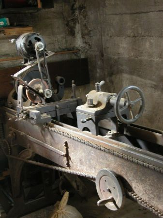 Old (Very Old?) Lathe on Craigslist in Fall River, MA