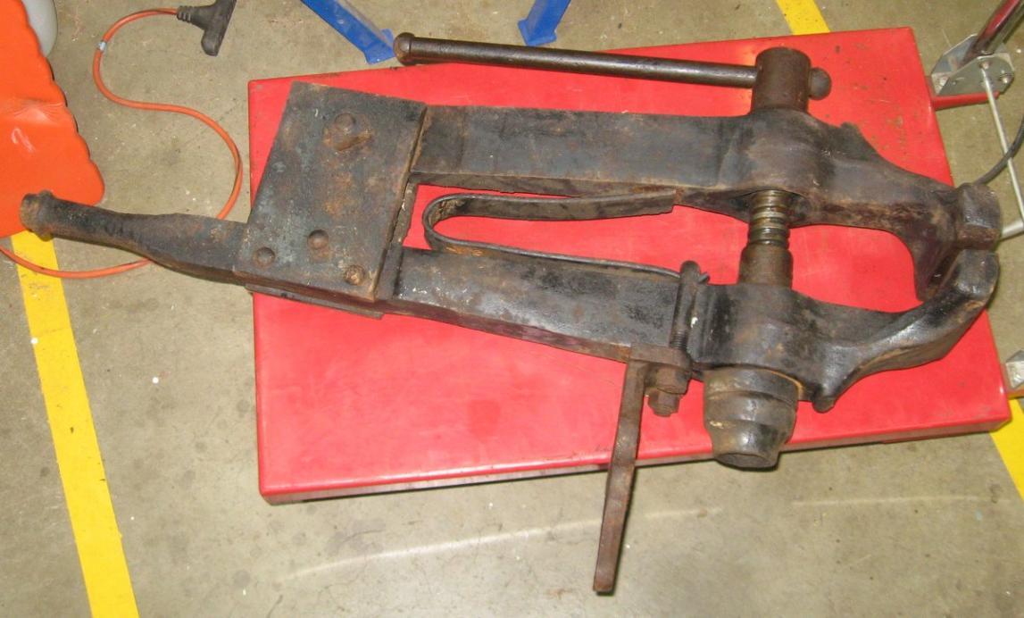 big columbian blacksmith leg vise