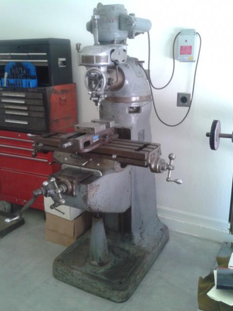 Bridgeport Round Ram Knee Mill Machine