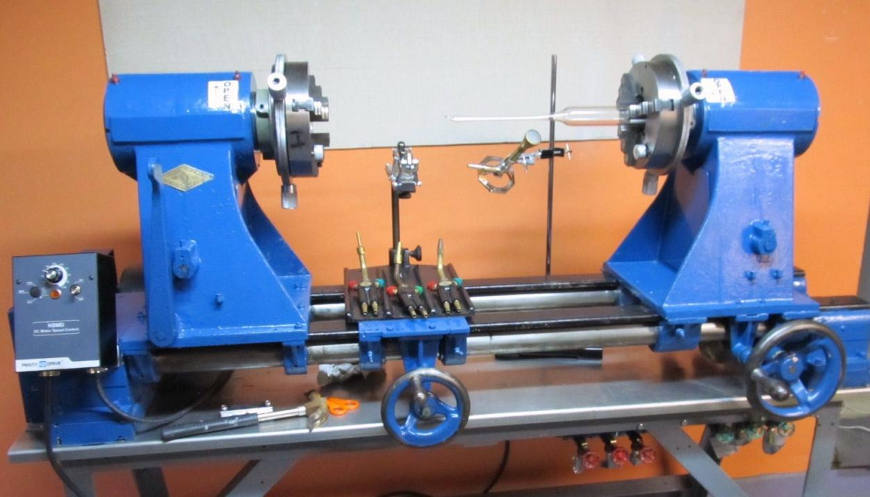 Standard Tool & Manufacturing Co. Glassblowing lathe