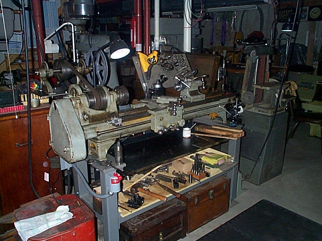 Thread building a lathe stand from scraps