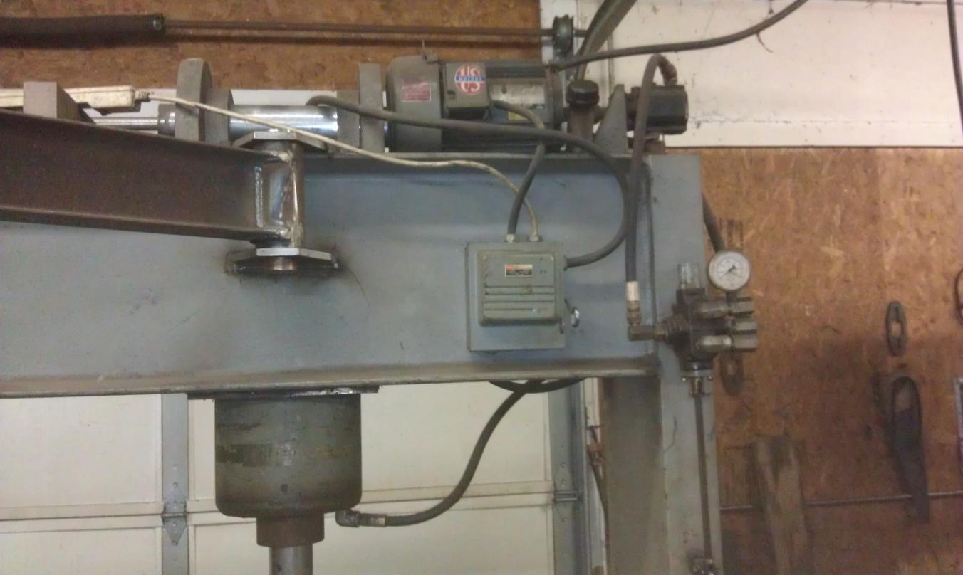 Hydraulic spool valve question
