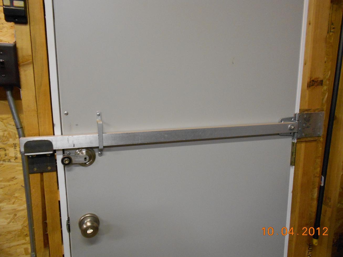 dscn0818.jpg ... & Shop metal doors - Something better than deadbolt exist ? - Page 2