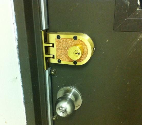 Attachment 61529 & Shop metal doors - Something better than deadbolt exist ?