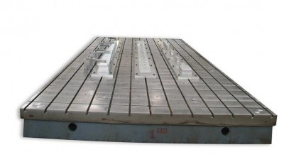 30' (9,000 mm) T-slot table ...