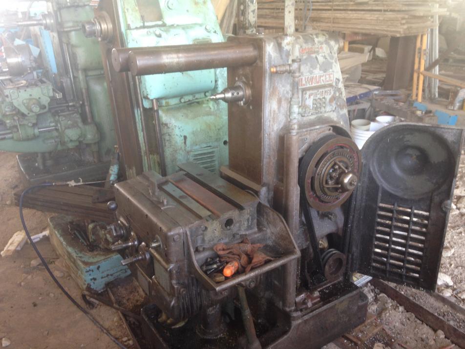milwaukee model h horizontal mill rh practicalmachinist com Vintage Milwaukee Milling Machine Machine Kearney Trecker Milwaukee Milling Machines
