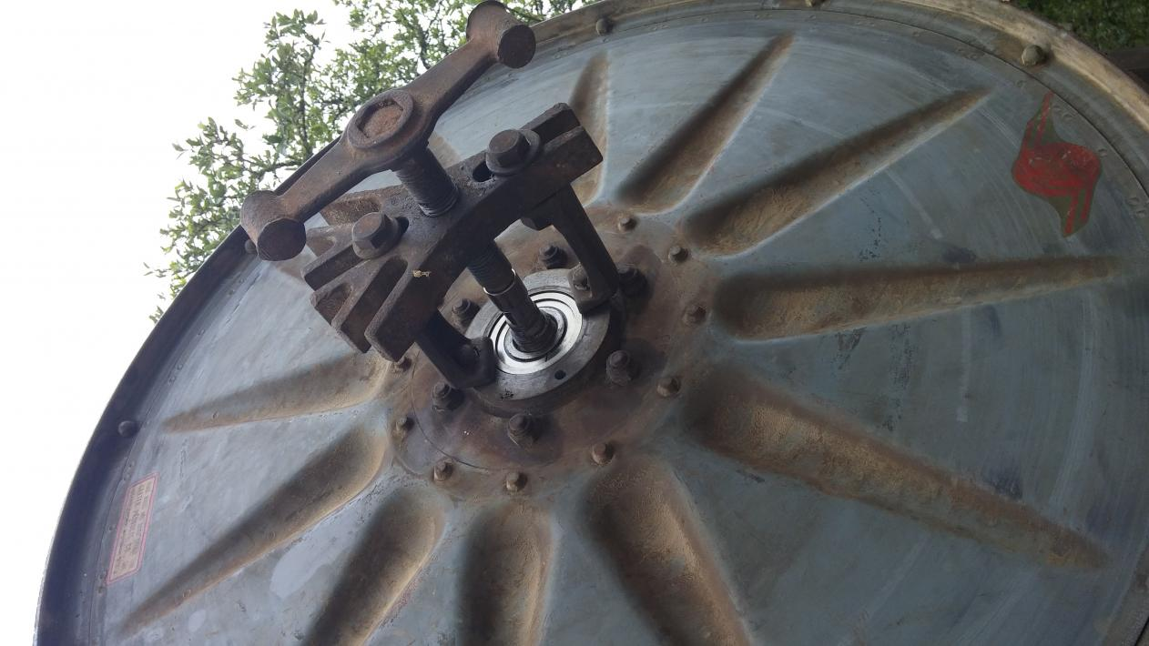 how to get the top off a seized spindle